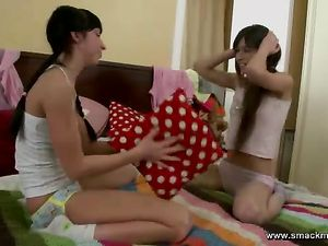 Skinny Kissing Teen Girls Lick Tits And Cunt Too
