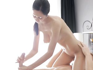 Perfect Shaved Pussy Gives A Happy Ending