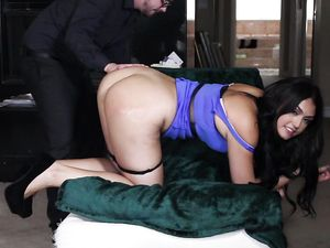 Gorgeous Big Ass Chick Fucked Anally And Loving It