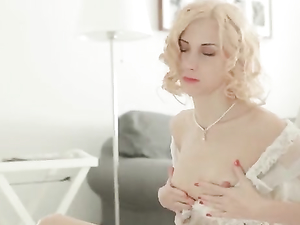 Perfect Curls And Perky Tits On The Solo Blonde Teen